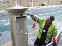 Geraint Thomas Gold postbox painted in Cardiff